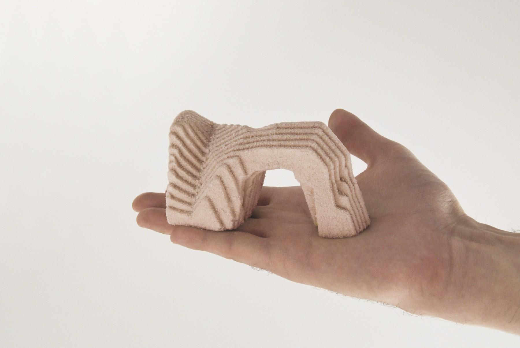 Memorabilia Factory - DurdleDoor - kit de création de souvenirs in Situ en sable calcifié grâce à des bactéries - client : Design Exquis - www.bold-design.fr