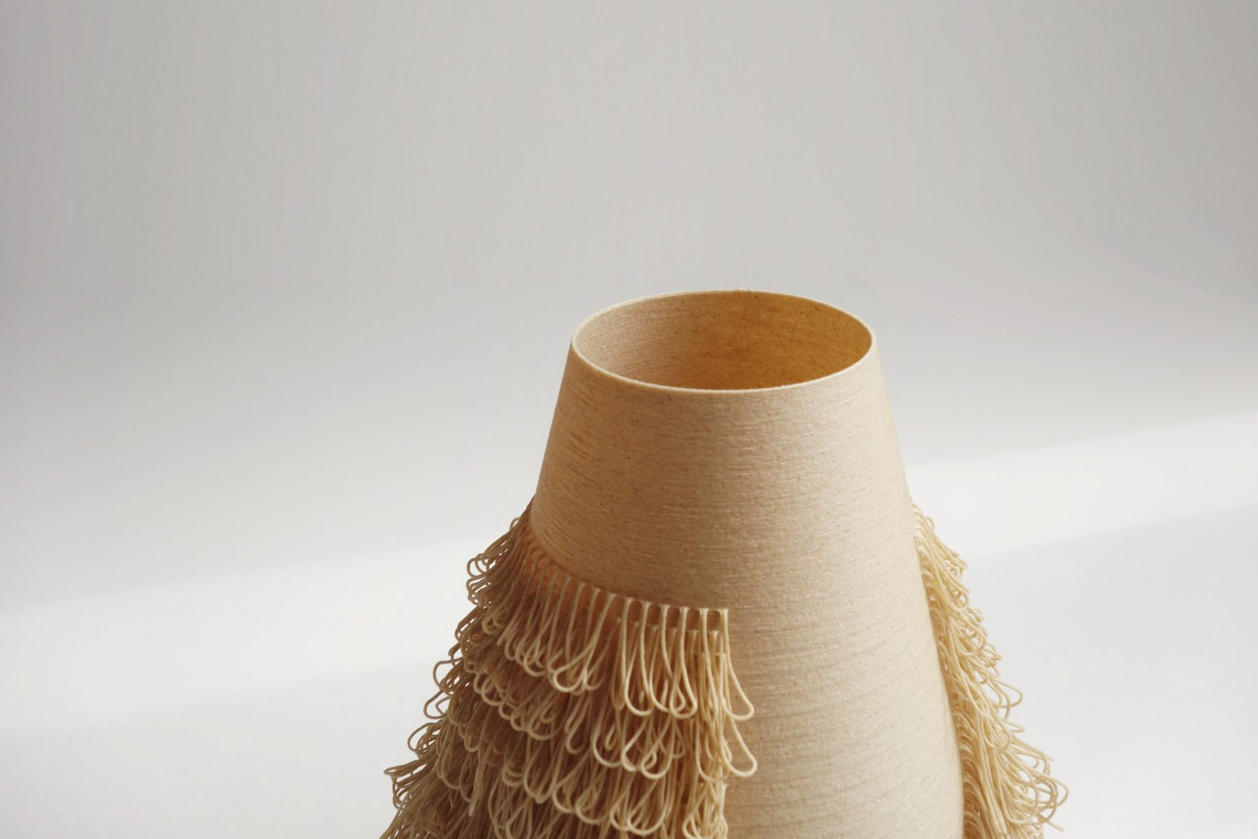 BLOND vase - POILU Collection - 3d printed vases by bold-design for AYBAR Gallery - www.bold-design.fr