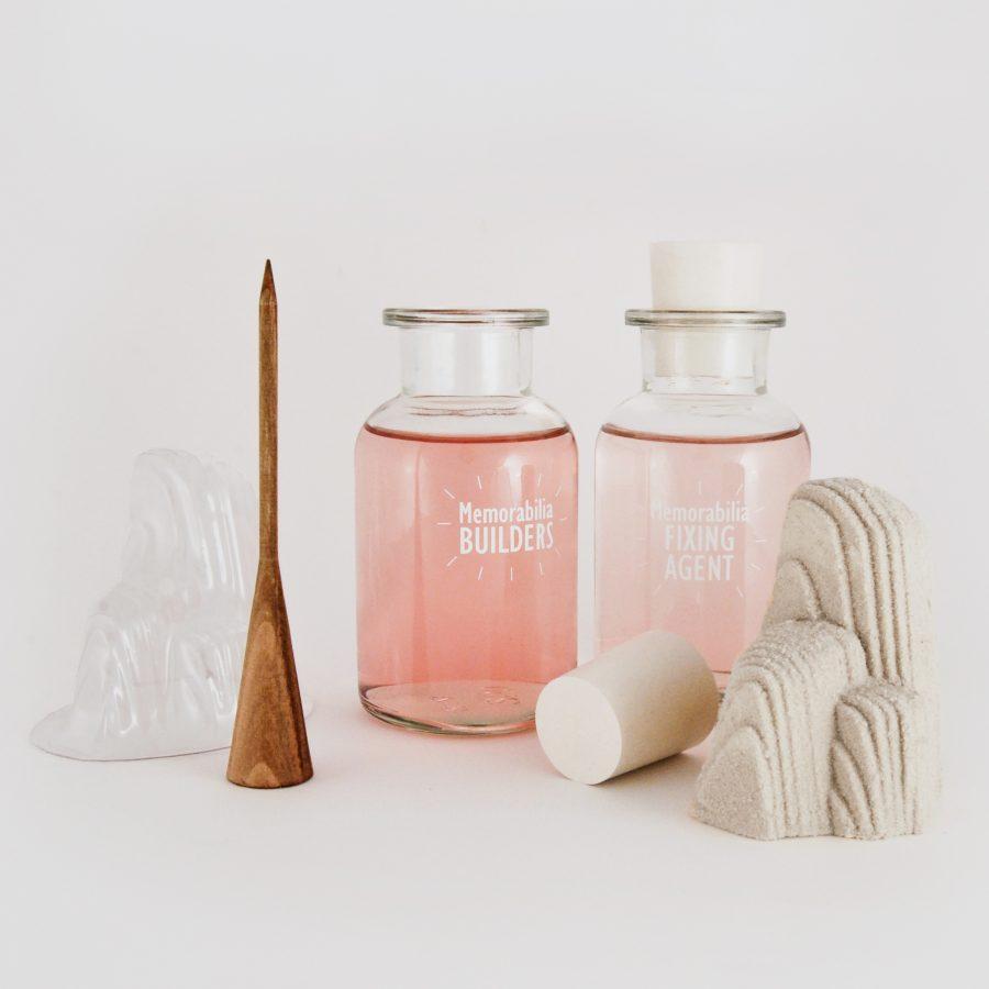 Memorabilia Factory - kit de création de souvenirs in Situ en sable calcifié grâce à des bactéries - client : Design Exquis - www.bold-design.fr
