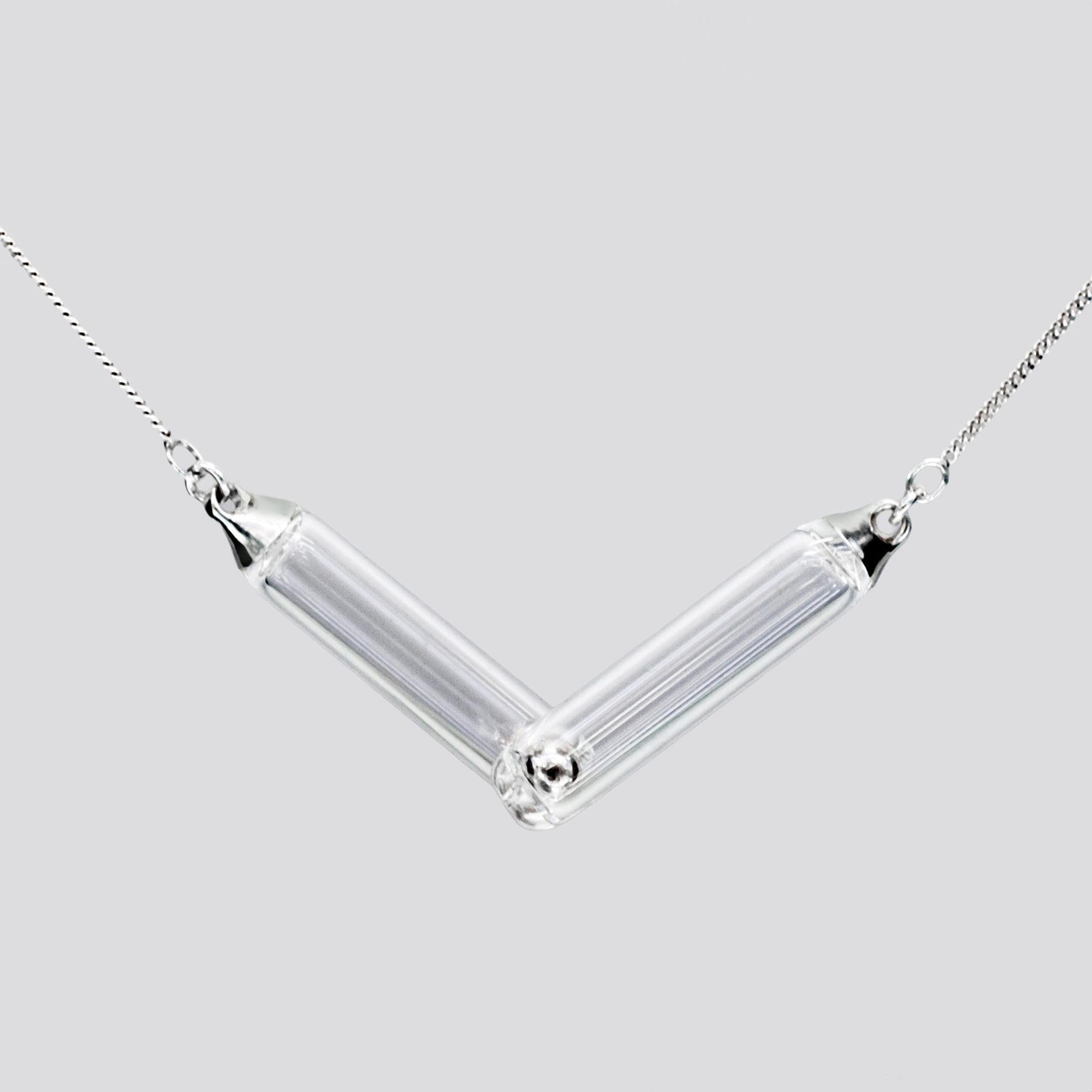 Pendentif bijoux Attraction verre et aimants