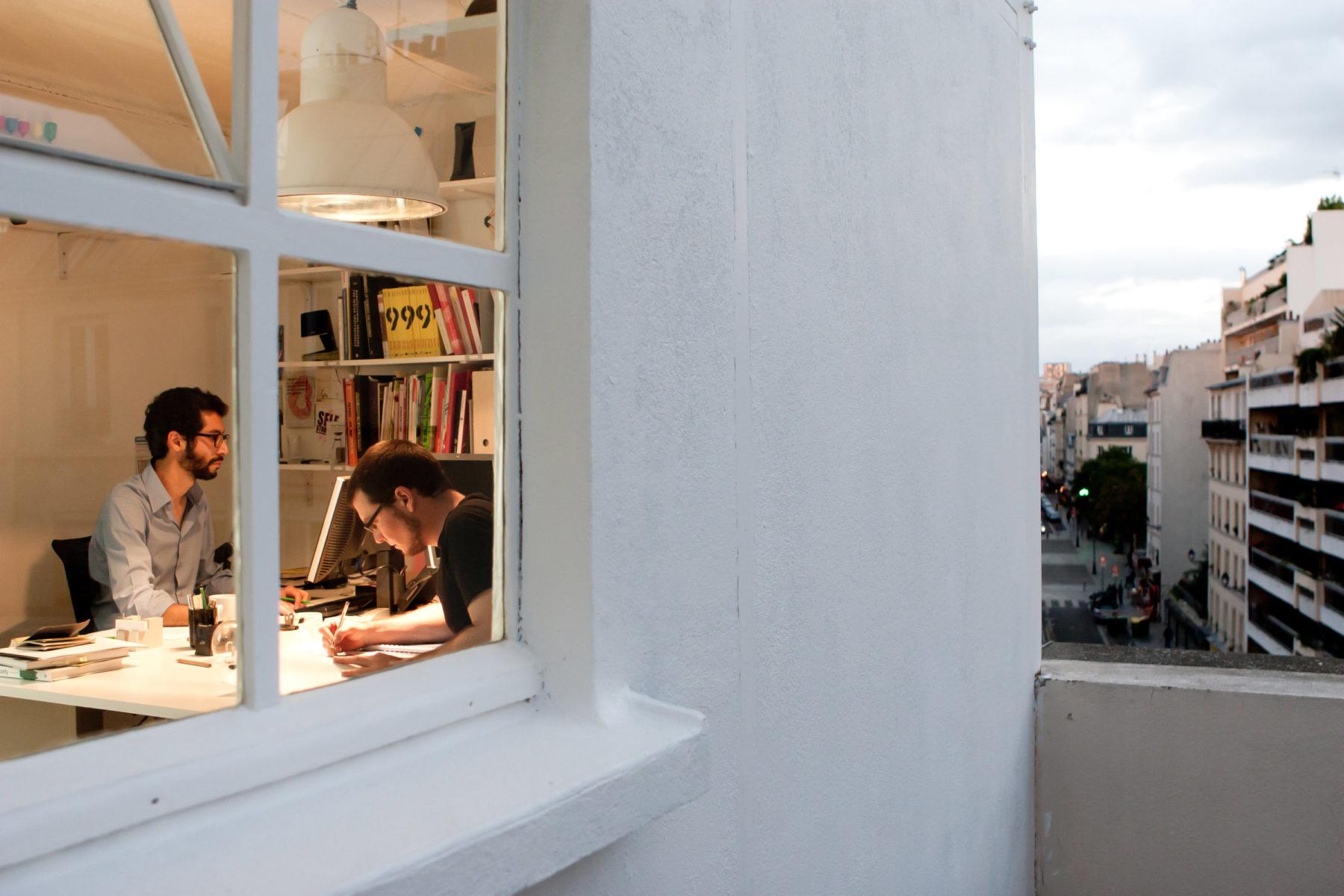 www.bold-design.fr - atelier sur les toits - vue exterieure / intérieure - photo Marie Guerre