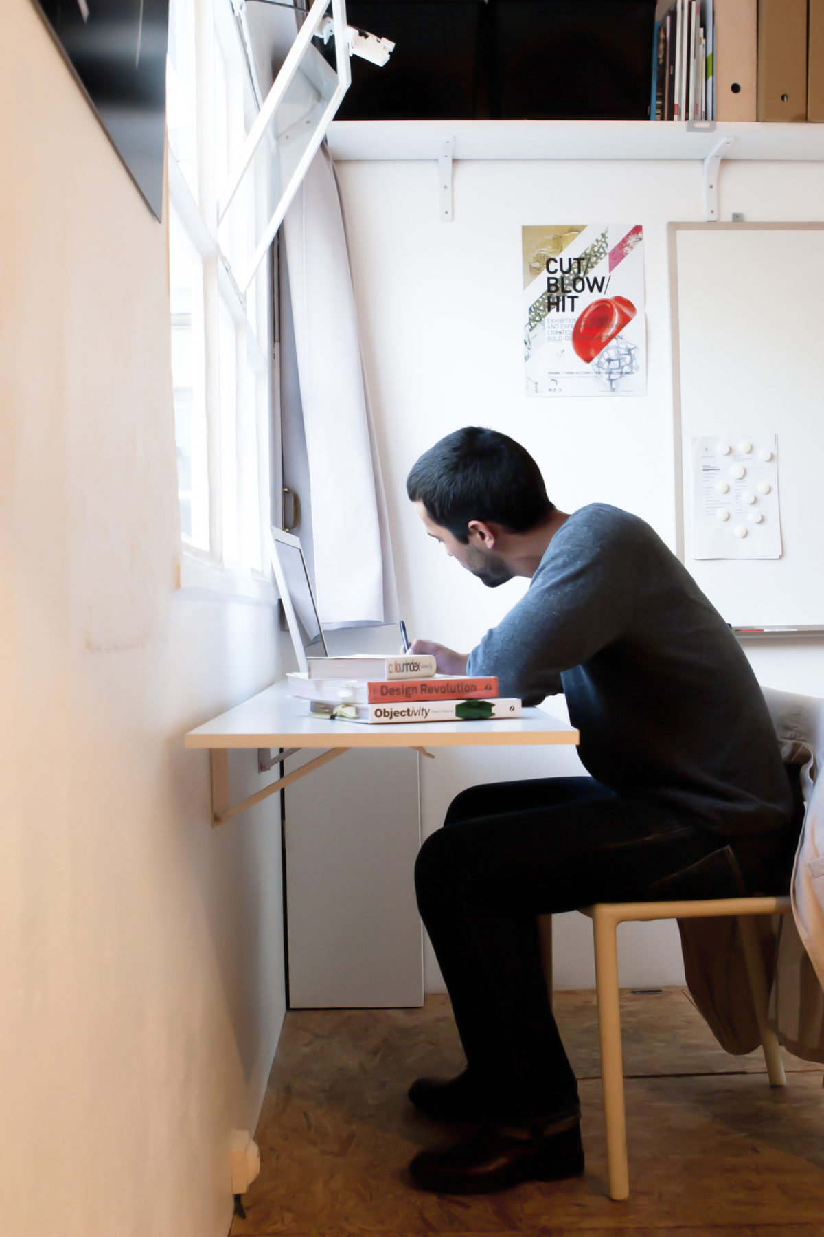 www.bold-design.fr - atelier sur les toits - bureau pliant - photo Marie Guerre