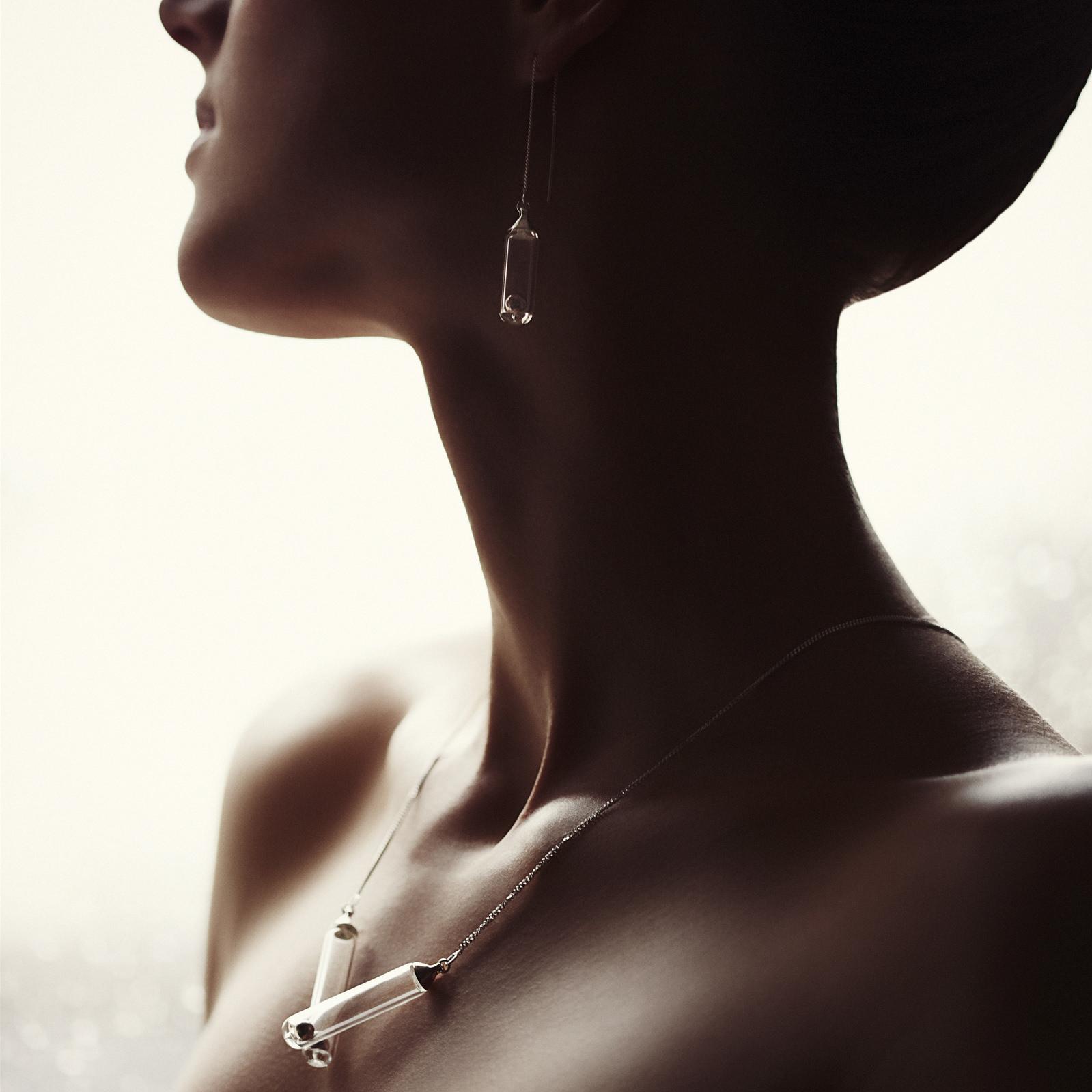 Pendentif et boucles d'oreilles bijoux Attraction verre et aimants