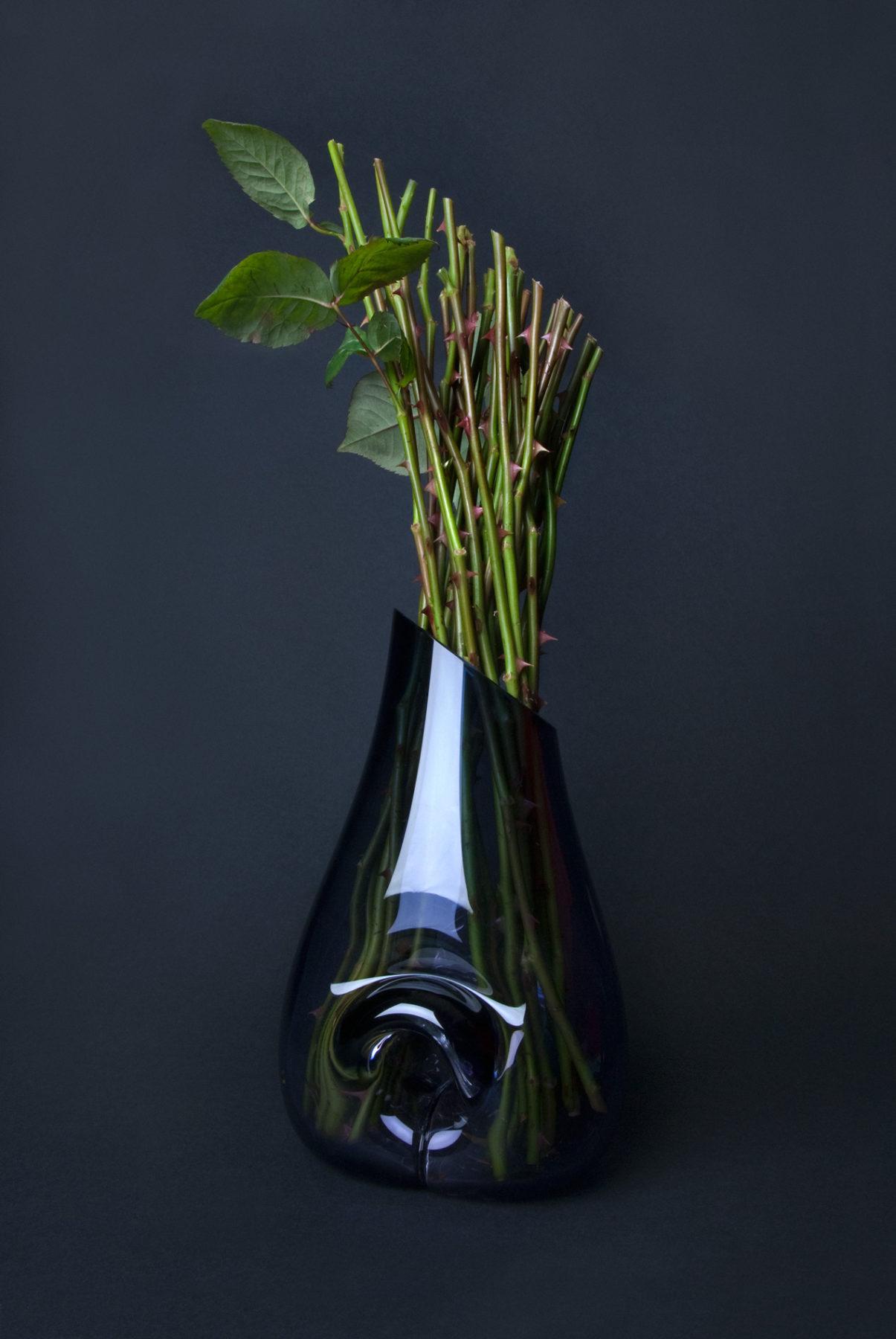 Blown Shapes - Unique pieces mouthblown in France - www.bold-design.fr - photo Lotte Stekelenburg